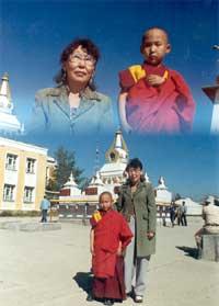 Улан-Батор, главный дацан Монголии «Гандан». Монламу 6 лет и 7 месяцев.