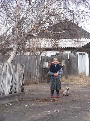 """Екатерина Григорьева с кошкой Машкой провожают журналистов: """"Девочки, приходите ещё!"""""""