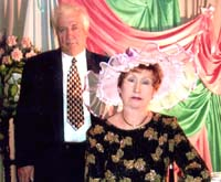 Юрий Николаевич и Валентина Григорьевна на традиционном декабрьском балу в Минусинском музее имени Мартьянова. 2003 год.
