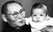 «Расти правдивым и справедливым, оглум!» – желает Алексей Ширинмеевич своему внуку Алёшке, как когда-то его самого напутствовал дед Ширинмей Ондар, г. Кызыл, 1972 год.