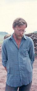 Чугунова всегда отличала скромность. Особенно в беседах с журналистами. На кургане. 2002 год.