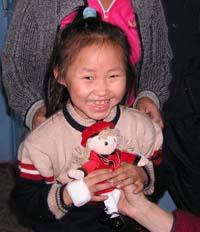 Юной красавице Алёне Шожап – нарядная кукла.