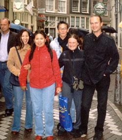 Встреча в Голландии: Аэлита Салчак, Байлак Ооржак, Аркадий Август-оол (сзади), Элизабет Рагонин и её друг Адам.