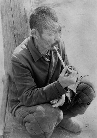 Толпылдай, бывший председатель тувинского колхоза в посёлке Петропавловск, рядом с Ильинкой. В 1952 году его колхоз объединился с колхозом «Победа». Толпылдай стал работать чабаном, добился очень хороших результатов.
