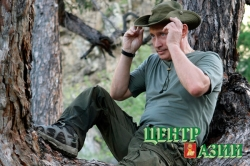Хемчикским чабанам Маскыр-оолам - часы и нож Путина