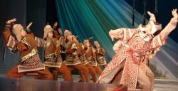 «Дембилдей», поставленный мужем – любимый танец Кимы Донгак. 2007 год.