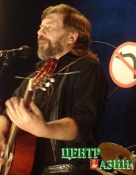 Александр Сапелкин во время концерта, посвященного пятидесятилетнему юбилею. 2006 год.