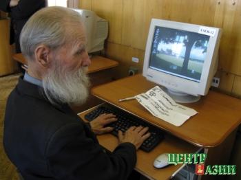 И  82  года – не  предел для  освоения  компьютера.Это доказали ветераны МВД: от старшины до полковника