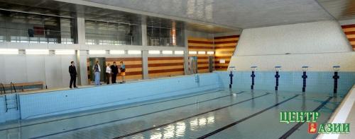 Бассейн в Кызыле уже блестит испанской плиткой