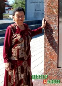 Кок-Кыс Оюновна Донгак, учитель тувинского языка и литературы, истории