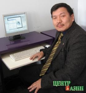 Амур Кара-Хунаевич Увангур, директор школы, преподаватель мировой художественной культуры