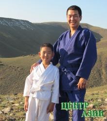 Рустам Кызыл-оолович Монгуш, папа двух сыновей, 32 года, житель Кызыла