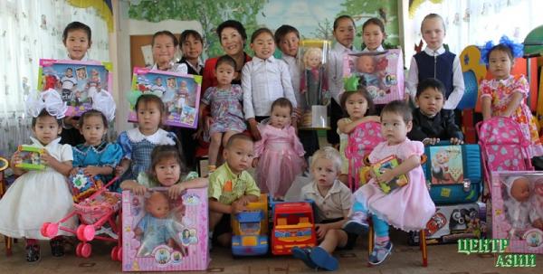 Сбербанк и дети: шефство с традициями