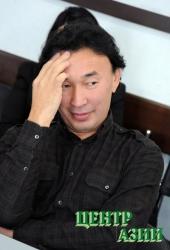 Судьбу нового символа Тувы – взамен обелиска «Центр Азии» – обдумывает бурятский скульптор Даши Намдаков