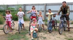 Аяс Ангырбан и Ирина Чебенюк. Полный дом детей