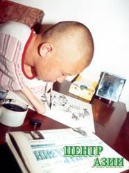 Сылдыс Соян: Он рисует зубами