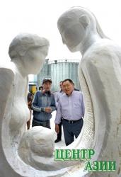 Участники международного скульптурного симпозиума завершают в Туве мраморные композиции, которые украсят Кызыл к столетнему юбилею