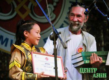 Союз журналистов Тувы: июльские награды и очередной журналистский баран в пресс-центре музыкального фестиваля «Устуу-Хурээ»