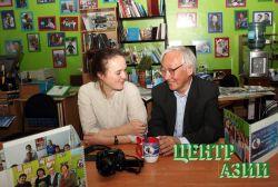 Как найти контакт с реальностью через объектив – задумались в Союзе журналистов Тувы вместе с Наталией Харламовой, студенткой школы Марины Разбежкиной