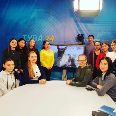 Вслед за тувинскими оленями отправились кызыльские слушатели школы межэтнической журналистики благодаря телеканалу «Тува 24»