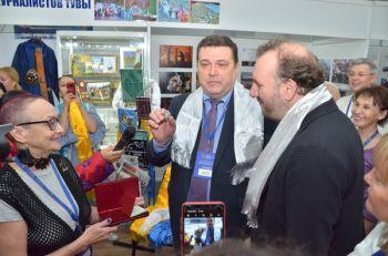 «Язык мой – друг твой»: участники журналистского форума «Вся Россия-2019» заговорили по-тувински.